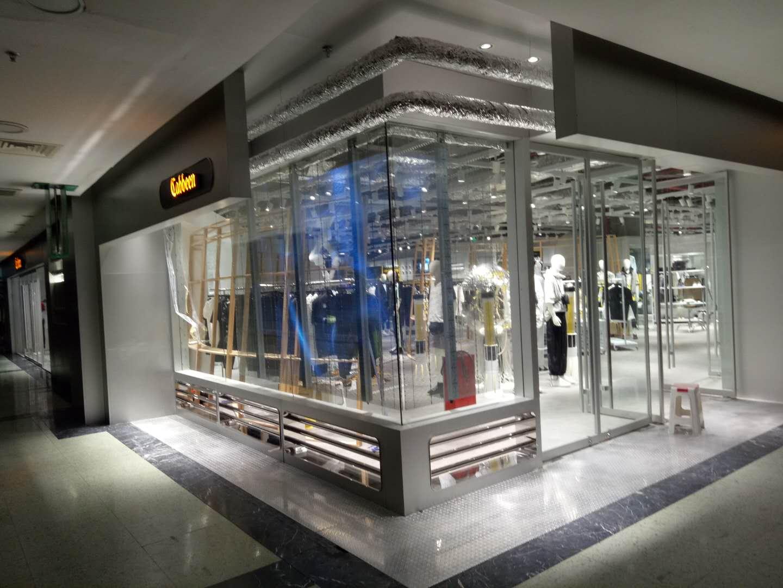 广州市天河区正佳广场时尚男装led透明屏安装案例